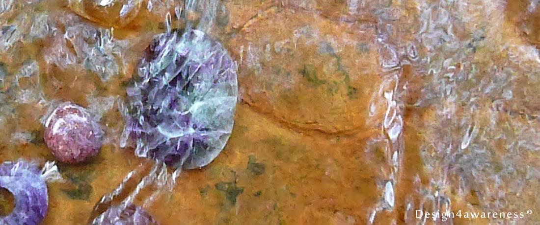 Water-opladen-met-kristallen